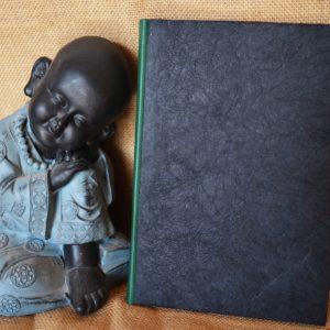 Carnet artisanal émeraude et noir en papier artisanal froissé / A5 (80 pages)